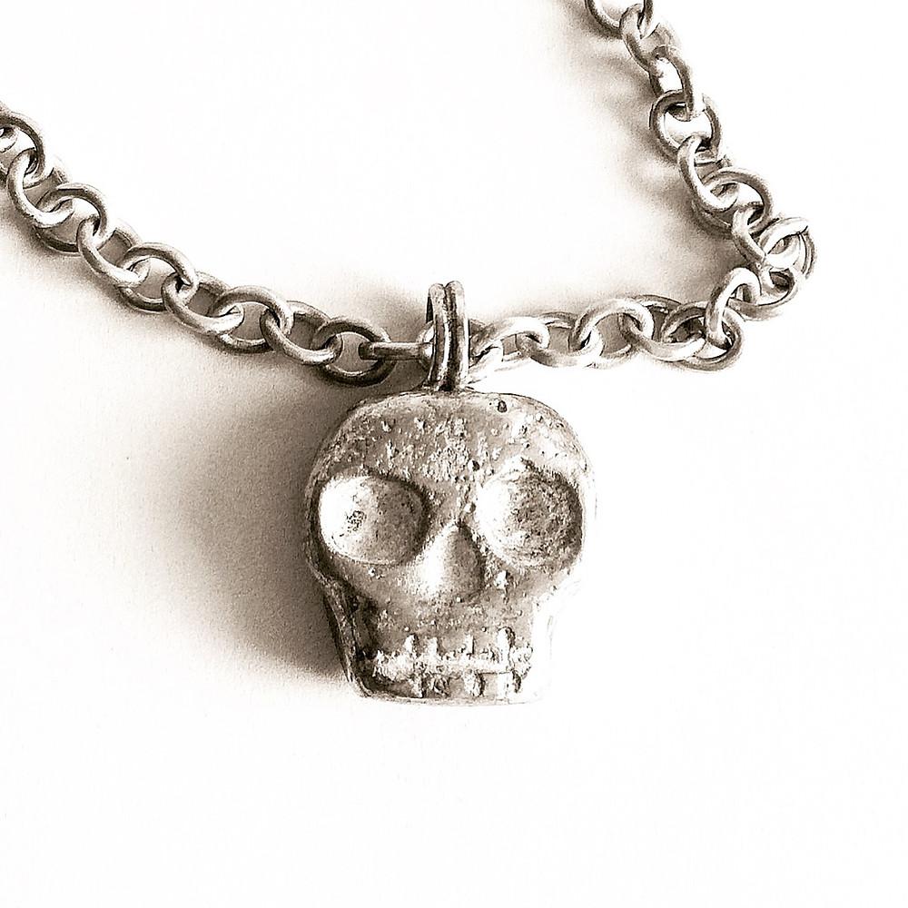 Men's & Women's Heavy Silver Skull Pendant Necklace.