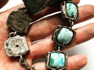 LUGDUN ARTISANS releases the new Rustic Square Larimar Bracelet