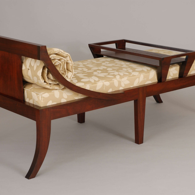 Kling Chaise with Tray