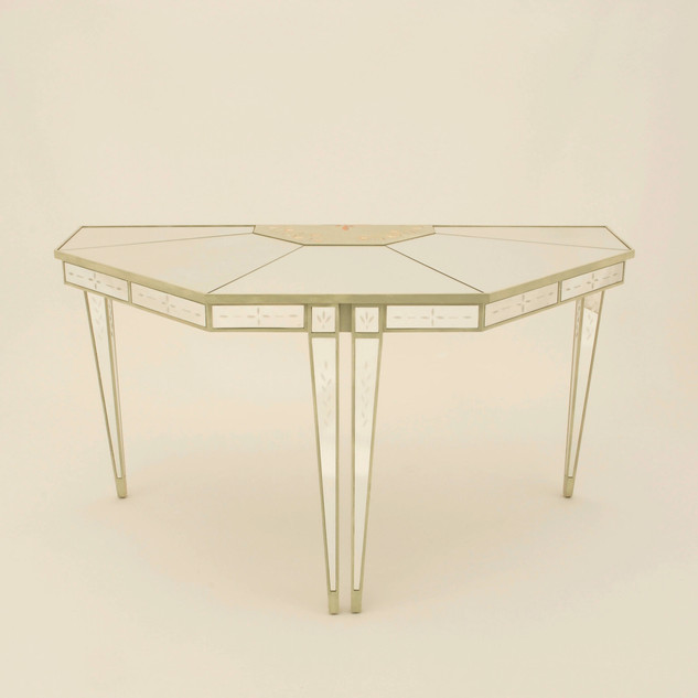 Lewiston Suite - Mirrored Console