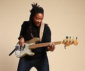 ANNE SO - Super bassiste avec qui nous avons le plaisi de travailler
