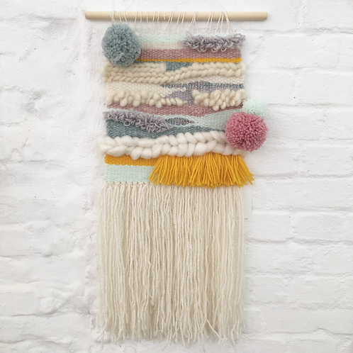 wallhanging *pompon 1*