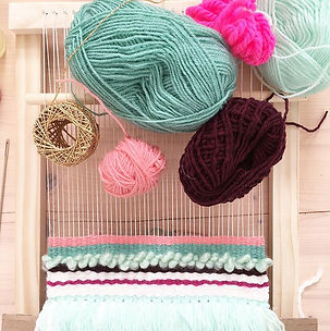 I started a new weaving workshop this morning. (Check stories). Three sundaymornings of co