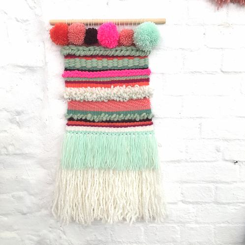 wallhanging *pompon 2*