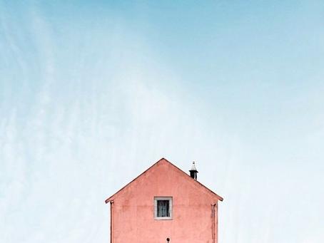 Sjekko's lonely houses