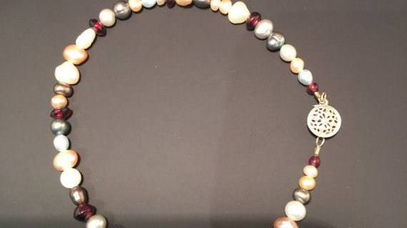Ankle bracelet with various color pearls and sizes,, 9 inches