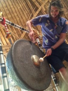 Pak Alex on the gong