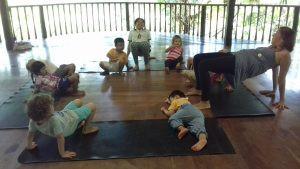 table-yoga