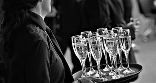 imperial-venues-catering-wine-tray.jpg