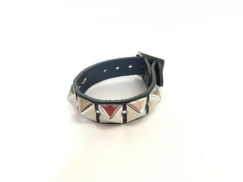 1 row Pyramid Studded Wristband