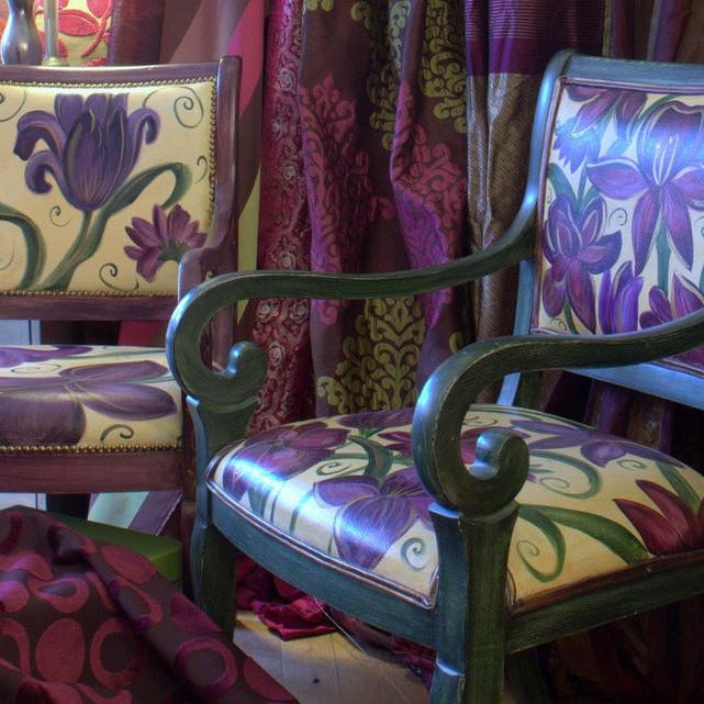 Design an Art Maker's Throne