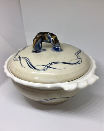 Medium sized lidded bowl