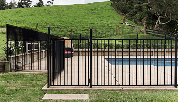 Aluminium Pool Fence Gate1