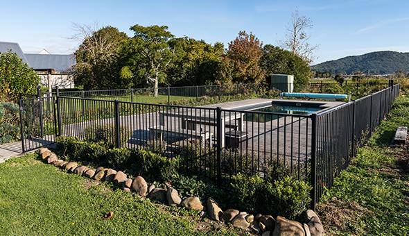 Aluminium Pool Fencing1