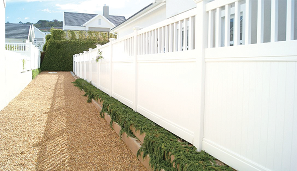 Picket Privacy Fence 1 web