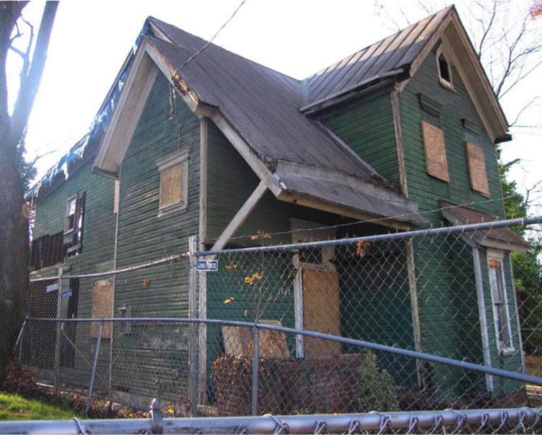 Maple View Place SE: Structure before rehabilitation by The L'Enfant Trust