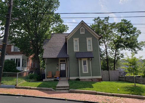 Maple View Place SE: Home rehabilitated by The L'Enfant Trust
