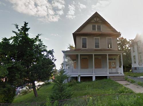 Maple View Place SE, 2014