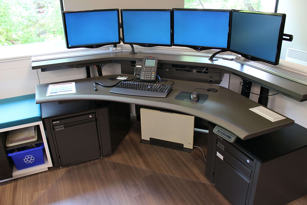911 Dispatch console table in a PSAP