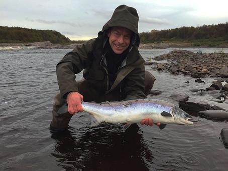 Strelna river, Kola Peninsula salmon fishing. German language