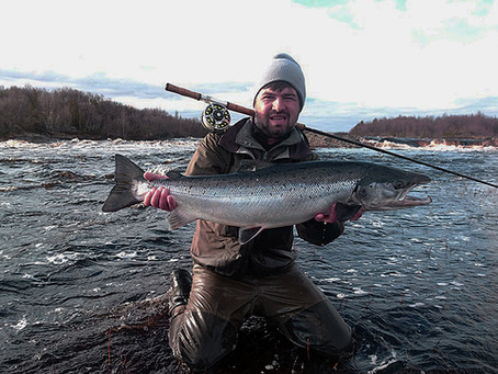 Salmon fishing, Chavanga river, Kola Peninsula.