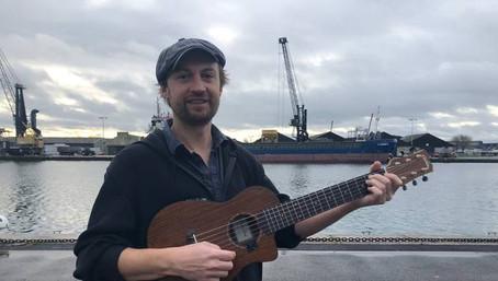 Saint-Malo. Vincent Prémel chante la mer «côté labeur, industriel»