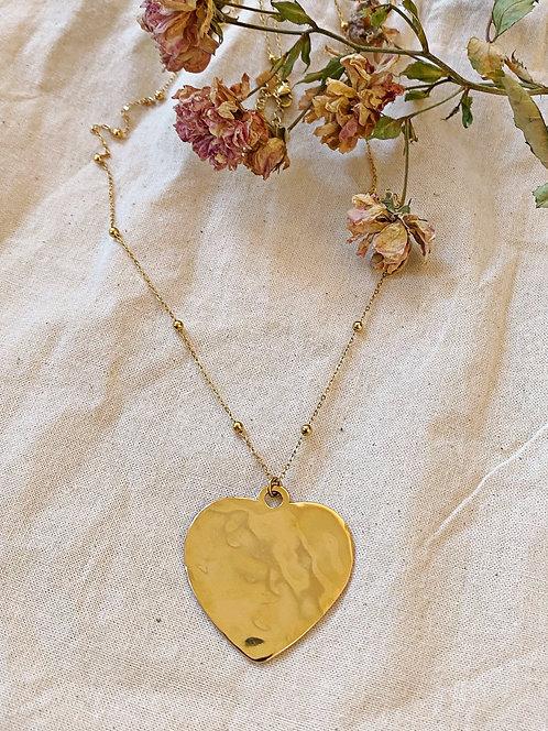 Collier coeur doré martelé