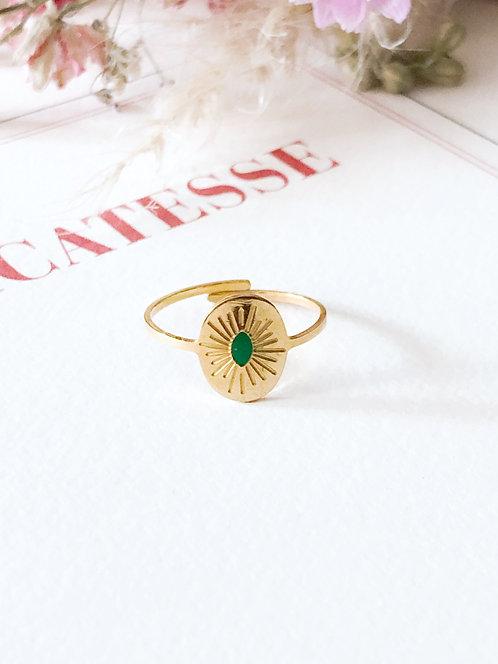 Bague dorée à médaille verte - VICTORIA