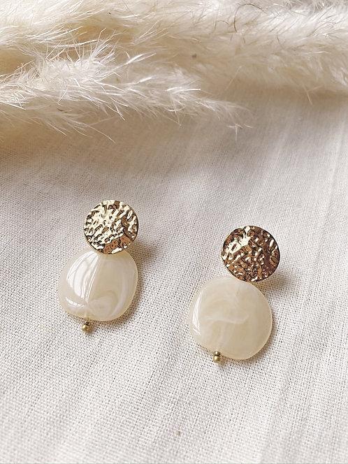 Boucles d'oreilles écrues et dorées