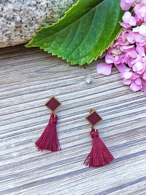Boucles d'oreilles pendantes avec pompon bordeaux - SIMONE