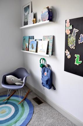 kids-bedroom-boys-bedroom-shelves-lawren