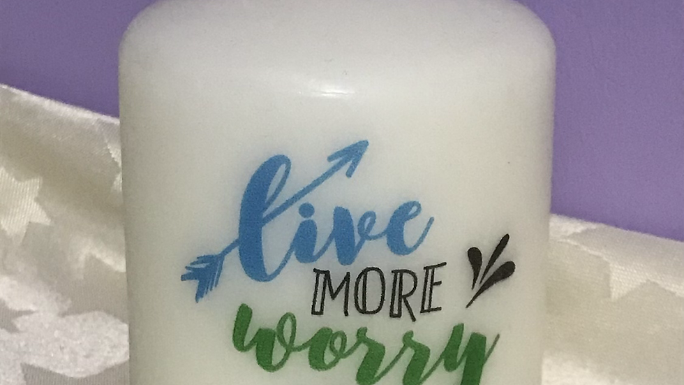 7.5cm 'Live more worry less' pillar candle