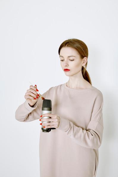 ASMR - Microphone brushing