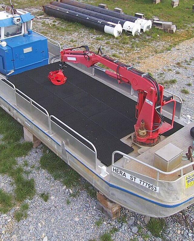 bateau grue