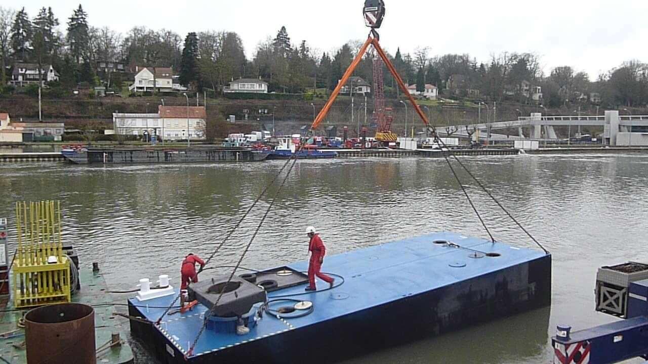 location barge travaux