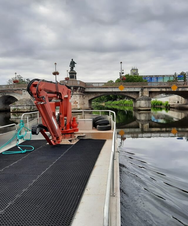 location barge grue