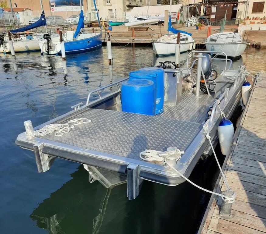 location bateaux de service