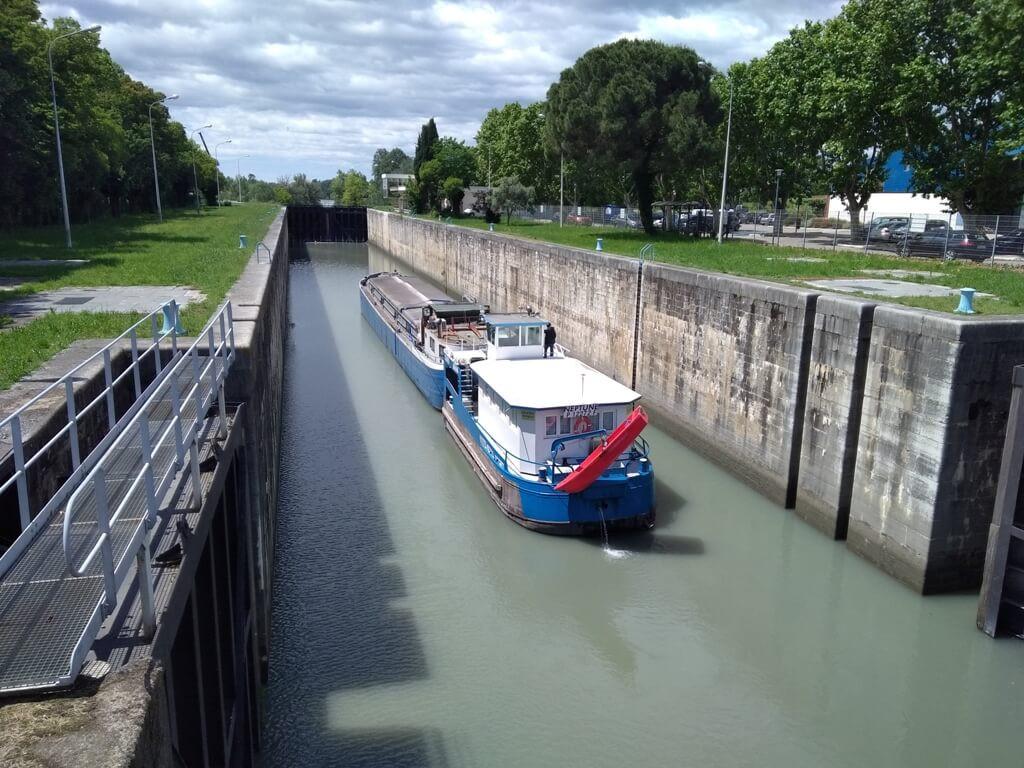 remorqueur fluvial