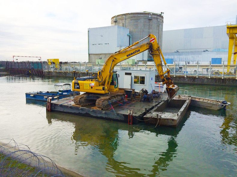 location barge forage