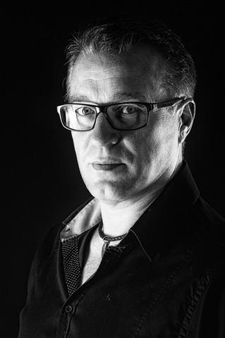 """Spotlight: An Interview with Walter Schönenbröcher (""""Artists Up Close"""")"""