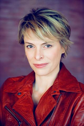 "Meet the Finalist: Véronique Picciotto, ""Follow The Arrow"""