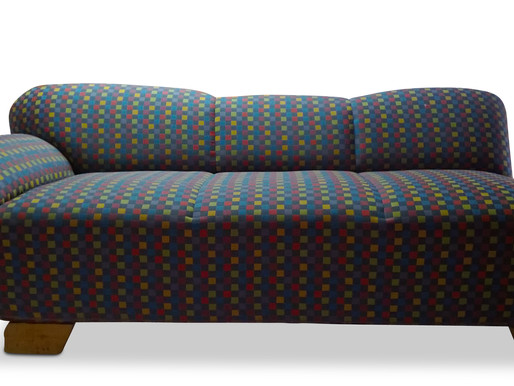 Polstersofa in Karomuster
