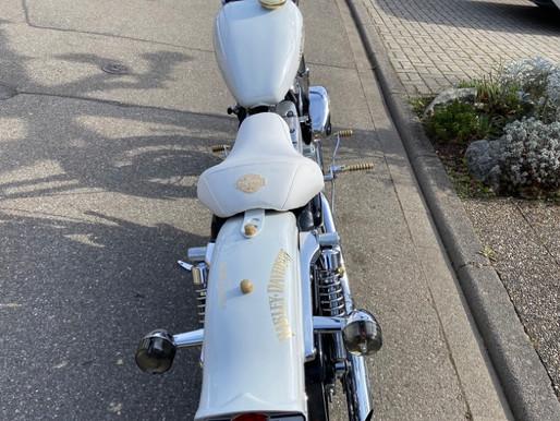 Kundenbilder von uns gefertigten Motorradsitze