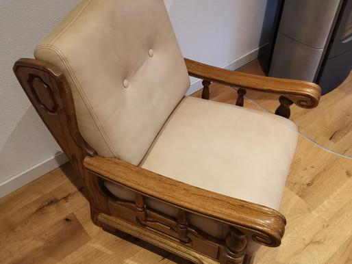 Neue Polster für einen Sessel
