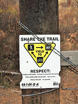 Share the Trail Triangle