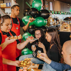 Celebracion 10 aña Starbucks Renaissance Marketplace