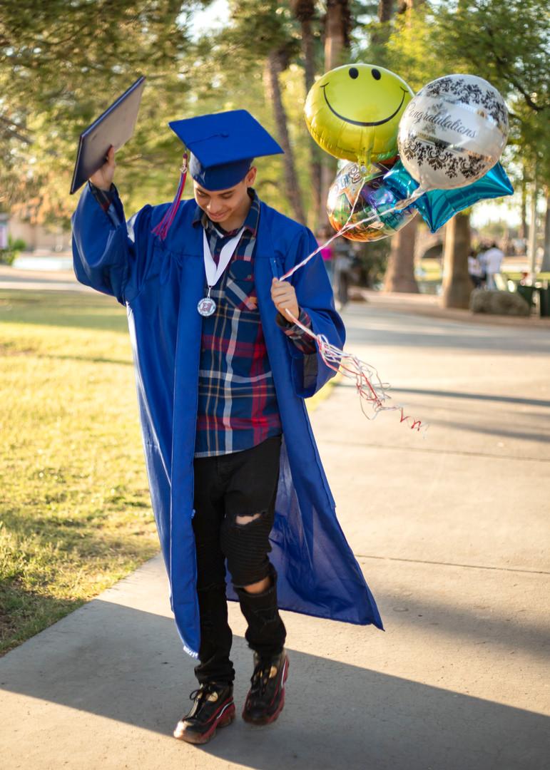 20 alex graduation portraits  - Encanto
