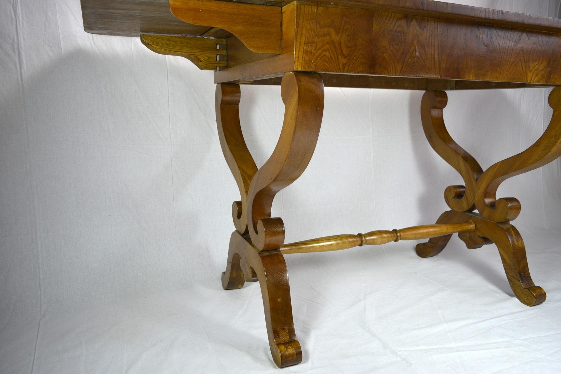 Stół uszak biedermeier