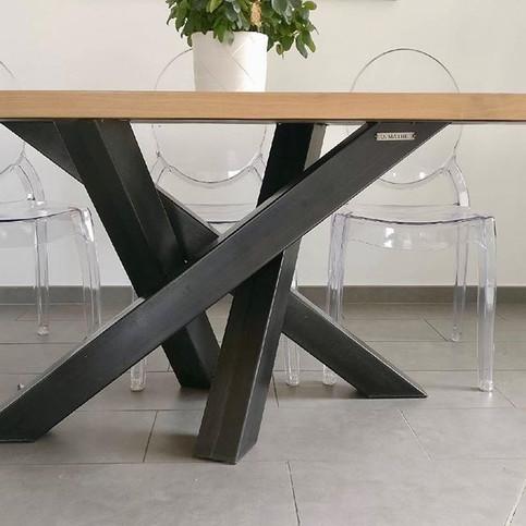 table en acier sur mesure