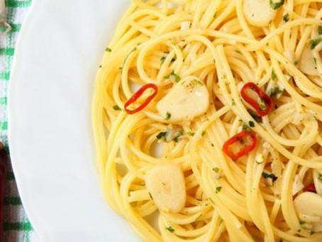 Les bienfaits de l'huile d'olive extra-vierge et une recette de Spaghetti ail, huile et piment